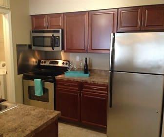 Kitchen, Hidden Creek Apartments
