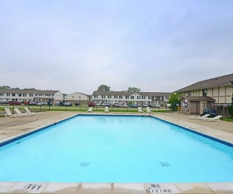 Pool, Heritage Glen Townhomes