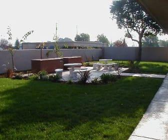 Amador Apartments, Park Elementary School, Hayward, CA