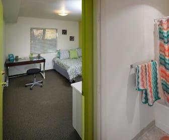 Bedroom, The 208