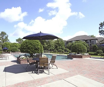 Exterior-Pool, The Park on Bluebonnet