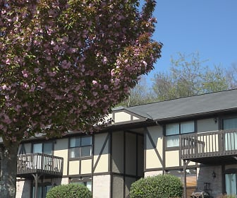 Carriage Trace Apartments, Faith Christian School, Clinton, TN