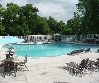 The Reserve at Winding Creek, Hazelwood, MO