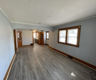 3001 30th St, Hoover High School, Des Moines, IA