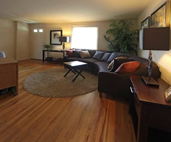 Living Room, Foxridge Townhomes