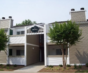 Maple Ridge Apartments, Montebello, VA