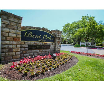 Community Signage, Bent Oaks Apartment Homes