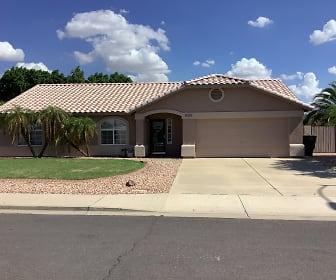 8055 E Evergreen Street, 85207, AZ