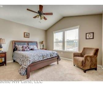 Bedroom, 325 N 33rd Ct