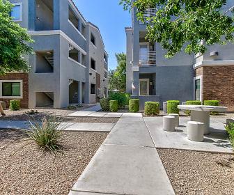 Courtyard, Avenue 25