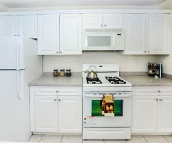Kitchen, The Horizons at Franklin Lakes Apartment Homes