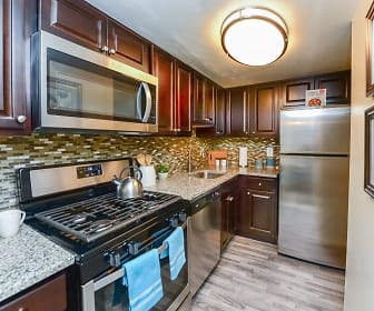 Kitchen, Sherwood Crossing Apartments & Townhomes