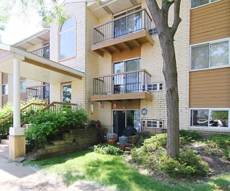 Emhurst Lake Apartments, Waukegan, IL