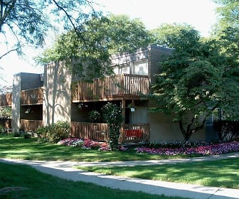 River Drive Apartments, Cleary University, MI
