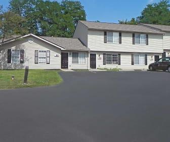 Building, Eagle Ridge Townhomes & Apartments