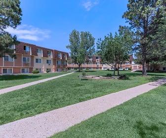 Building, Pine Crest Apartments