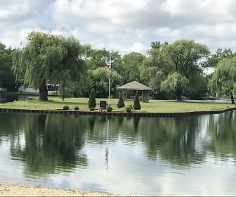 1148 Lakewood Road, College Green, Elgin, IL