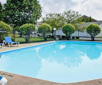 Pool, Summerview Apartments