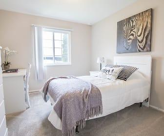 Bedroom, Great Oaks Apartments