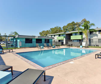 Pool, Flats On Walters