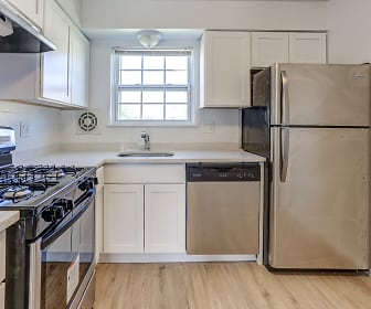 Kitchen, Chesterfield Apartments