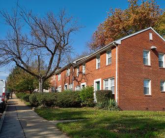 Fort Henry Gardens, 22206, VA
