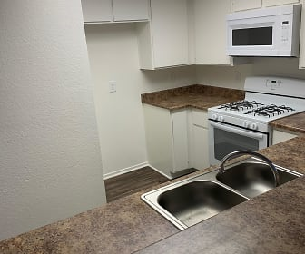 Madison Park Apartments, Woodcrest, CA