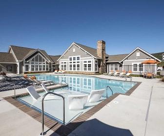 Pool, The Retreat Apartments