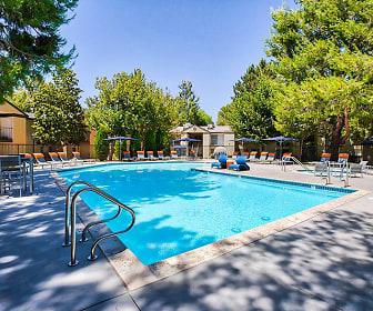 Mountain Vista Apartments, Oak Hills, CA