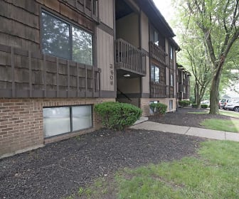 Forest Creek Apartments, Mayfield Elementary School, Middletown, OH