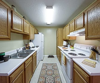 Kitchen, The Traditions At Augusta