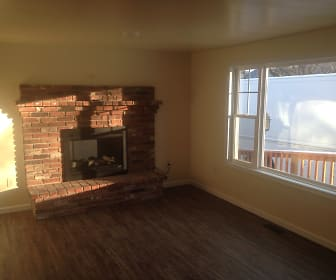 Living Room, 71 Boddy Lane