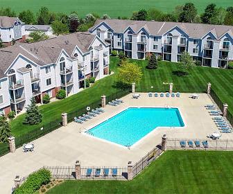 Pool, Gull Prairie/Gull Run Apartments and Townhomes