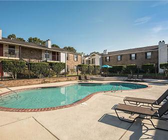 Oakleigh Apartments, 70810, LA