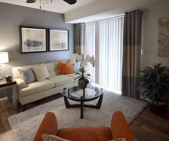 Living Room, The Savannahs At James Landing