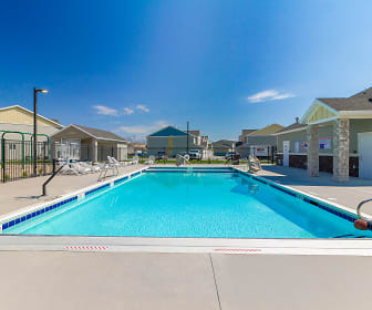 Pool, Smithfield Station Townhomes