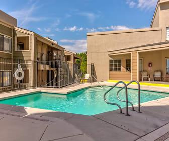 Pool, Dorado Heights