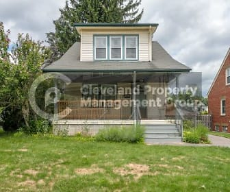 10005 Park Heights Ave, Parma, OH