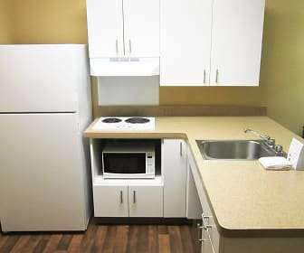 Kitchen, Furnished Studio - Detroit - Sterling Heights