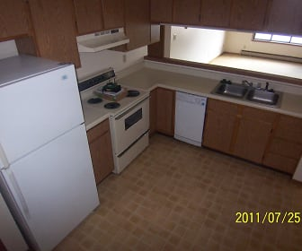 Kitchen, 711 Burnett #3