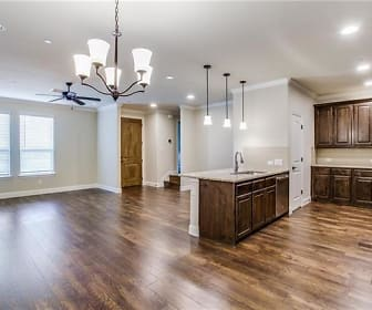 1221 Living & Kitchen.jpg, 1221 Pebblebrook Dr.