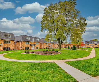 Courtyards on the Park, Des Plaines, IL