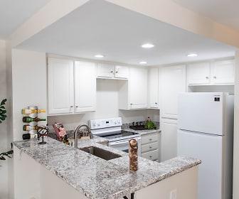 Kitchen, Ridgeline Apartments