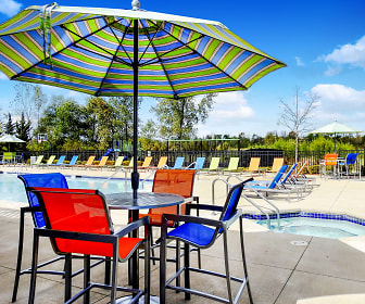 Poolside Seating, Saddle Brook Apartments