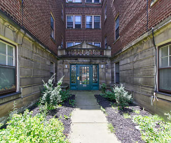 2814 Hampshire Rd, Roxboro Middle School, Cleveland Heights, OH