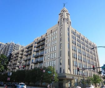 758 N Larrabee St Apt 229, River North, Chicago, IL