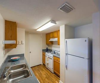 Large Kitchen at Madelyn Oaks, Madelyn Oaks