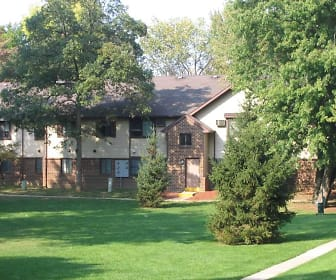 Wood Ridge Apartments And Townhomes, Lourdes University, OH