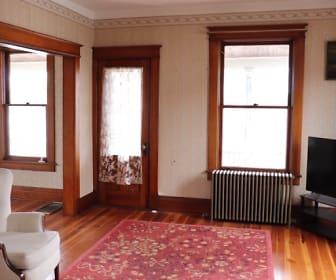 Living Room, 135 Maple Ave