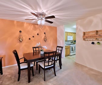 Lakewood Hills Apartments & Townhomes, Colonial Park, PA